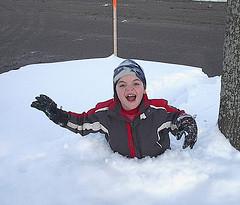 Owain_snowstruggle-med