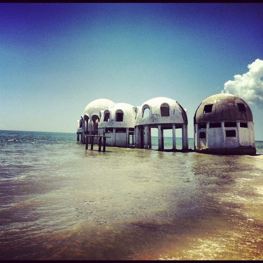 Abanoned_domehouses_Florida