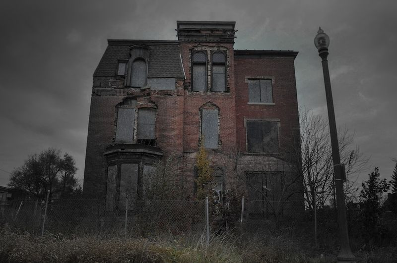 Hauntedhouse_Haught Mansion