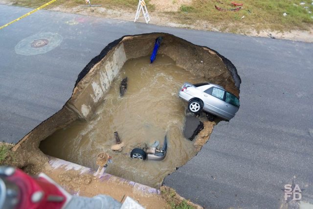 Sink_hole_Texas