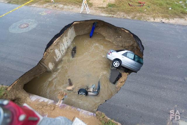 Sink_hole_Texas