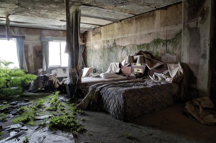 Japan abandoned hotel 2