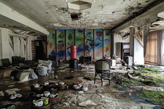 Japan abandoned hotel 1
