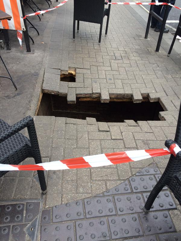Sinkhole_London_emily_hendo23