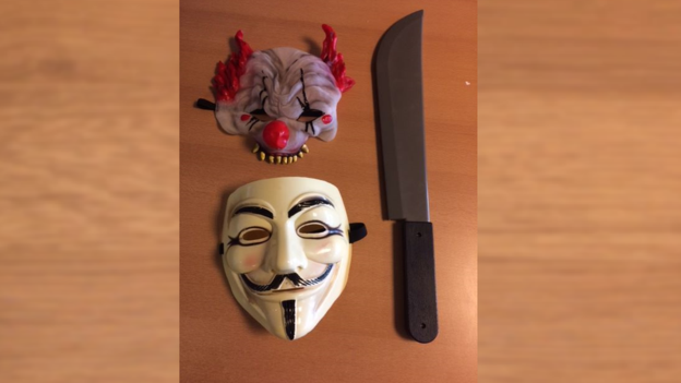 Masks V and clown plus knife