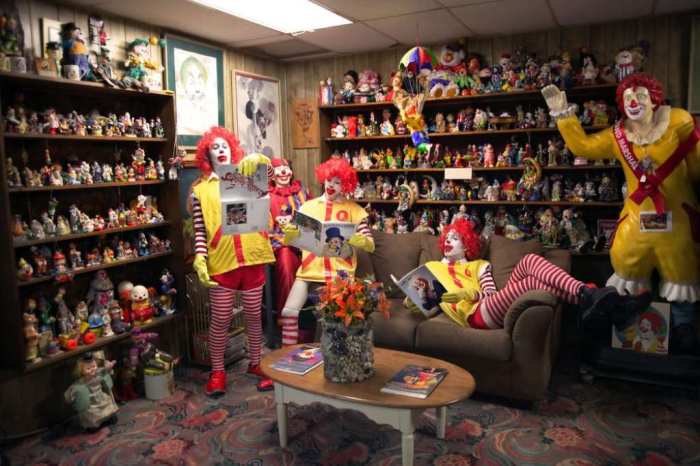 Clown motel room