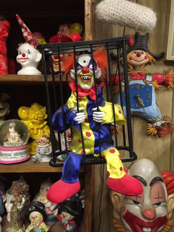 Clowns from motel